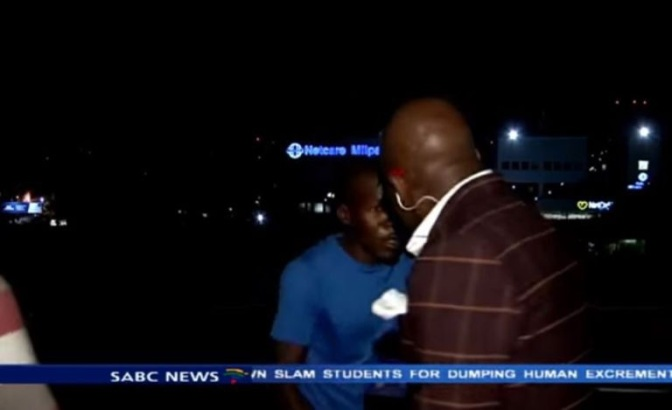 News reporter mugged at gunpoint on Live TV! (Video)